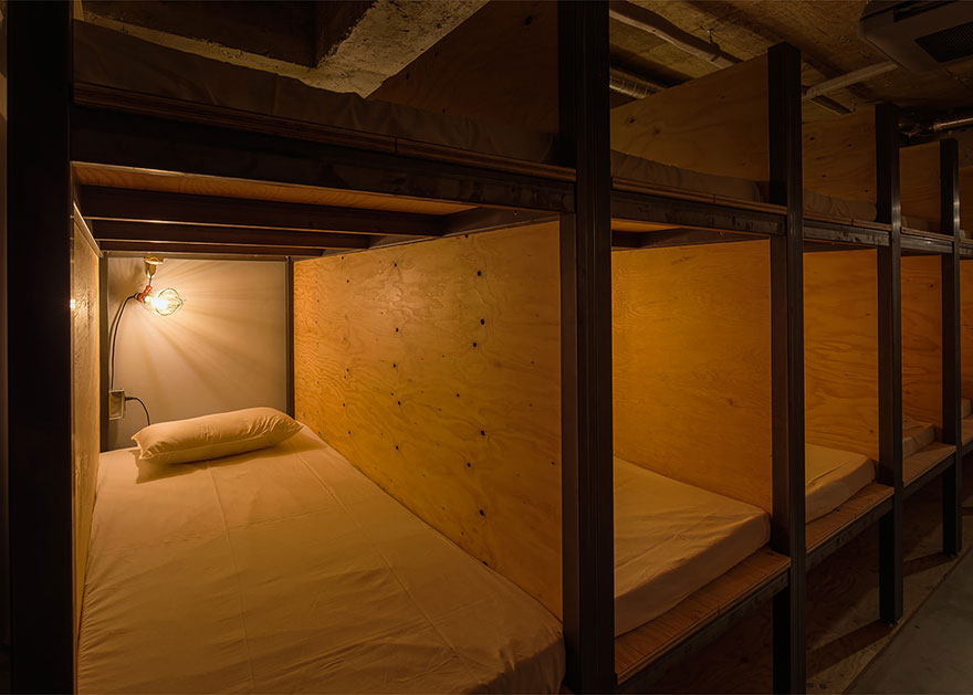 library-hotel-book-bed-tokyo-5 (1)
